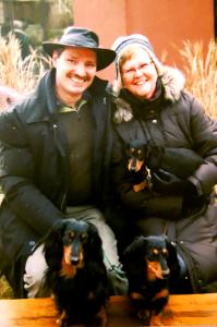 Züchter Thomas und Angela mit Hüggelzwerge Dackeln